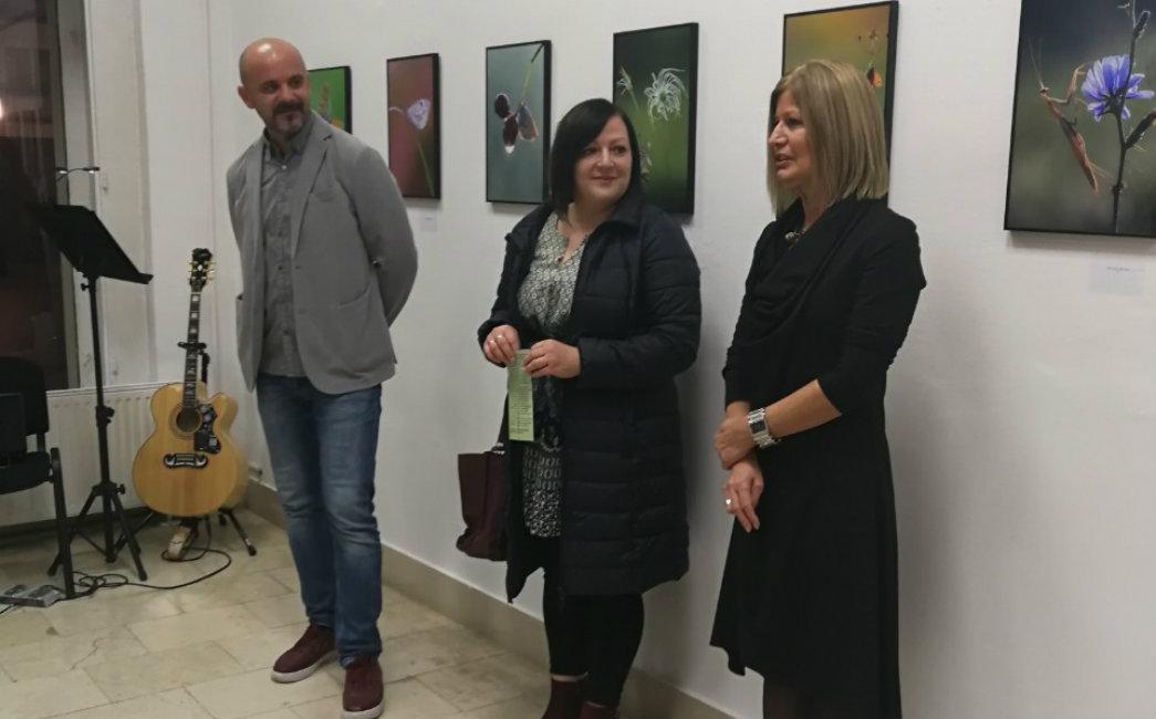 """Otvorena izložba fotografija """"Small world"""" Sandre Stoić"""